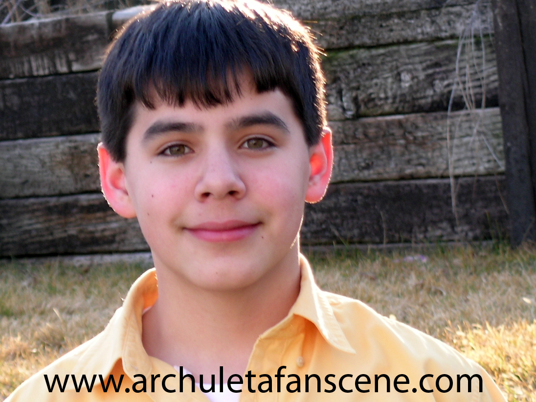 las habian visto David-archuleta-headshot-yellow-1