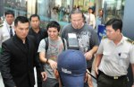 David Archuleta arriving at TSN Airport, HCMC, Vietnam (25)