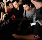 David Archuleta arriving at TSN Airport, HCMC, Vietnam (43)