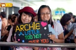 Viet fans waiting for David Archuleta at TSN Airport, HCM (6)