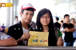 Viet fans waiting for David Archuleta at TSN Airport, HCM (7)